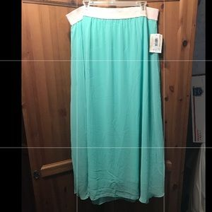 Lularoe - Lucy Skirt 2XL